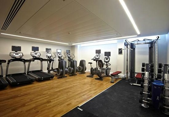 Lingfield Park Marriott Hotel & Country Club : Gym (official website photograph)