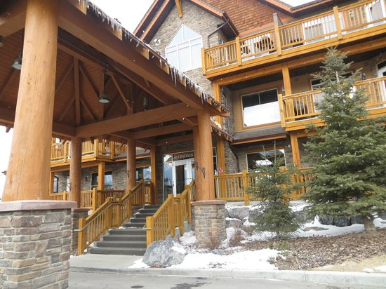 StoneRidge Mountain Resort: Front Entrance of Stoney Ridge