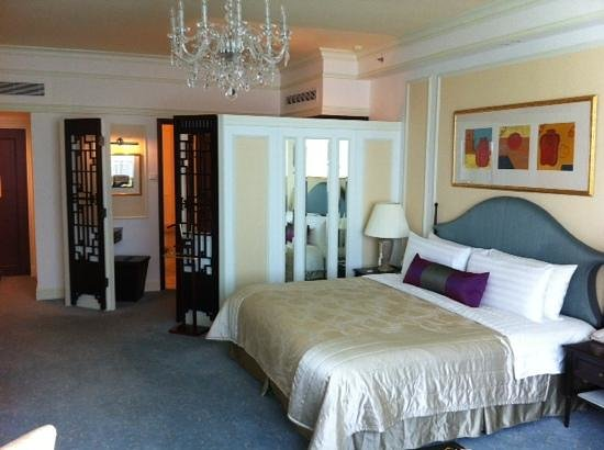 Shangri-La Hotel, Singapore: Our lovely room