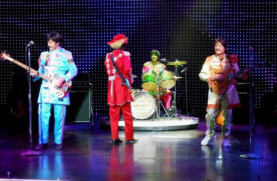 B - A Tribute to The Beatles: Sgt. Pepper Era