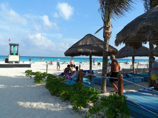 Sandos Playacar Beach Resort : Acceso a playa