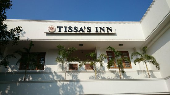 Tissa's Inn: Entrance