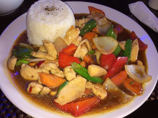 Thai Kitchen : Chicken and cashew nut stir fry 