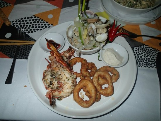 CAVA Restaurant & WineCafe: Cava seafood platter for one