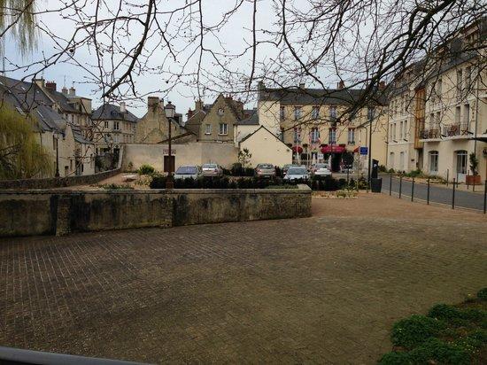 Villa Lara Hotel: Street view
