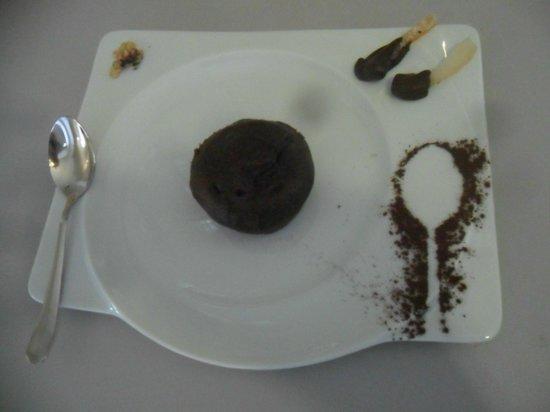 Caffetteria Mazzetti: tortino al cioccolato ripieno, buonissimo