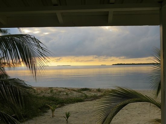 The Village Inn: Sunrise from Cabana de Mar