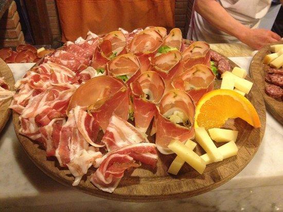 Ristorante La Sorgente : Assaggi di salumi e formaggi