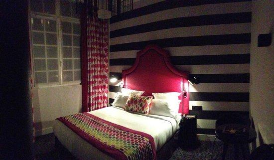 Hotel Fabric : Rom 001.
