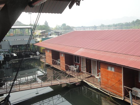 VN Guesthouse: the non-riverside raft rooms