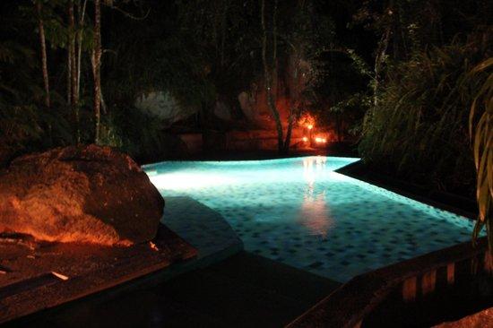 Boulder Garden Hotel : Pool at night