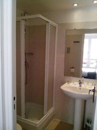 Hôtel Monterosa - Astotel : Sink with toiletries