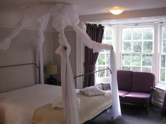 The Talbot: four poster room en suite