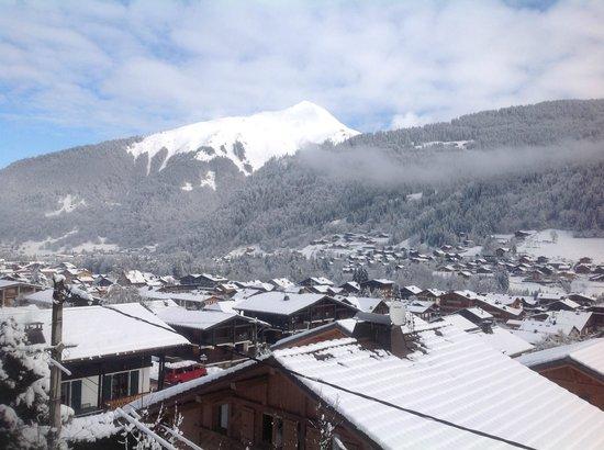 Chalet Morzine Luxury Chalets, Chalet Morzine : Vue du balcon sur la vallée