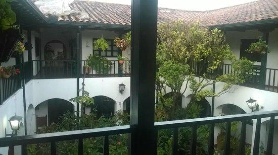 Hospederia La Roca: Inner courtyard