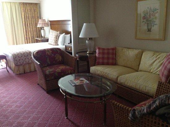 Little America Hotel: Room in garden suite area