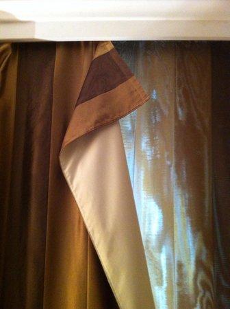 Scandic Front: Det hänge och slängde inte bara i mitt rum utan även på andra ställen på hotellet
