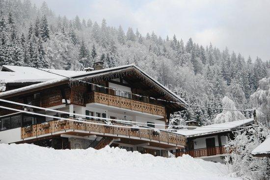 Chalet Morzine Luxury Chalets, Chalet Morzine: Le chalet sous la neige...