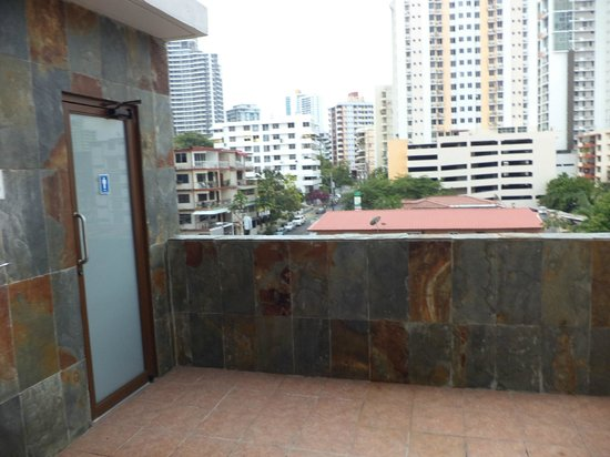 Hotel Principe & Suites : duchas para la piscina