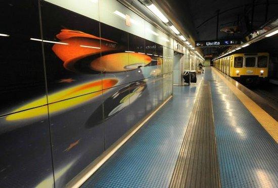 B&B Napoli Centro : La Metro