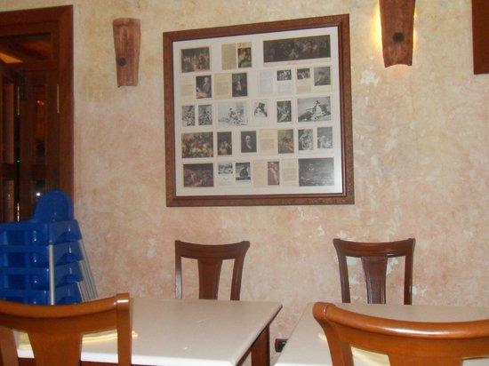 El Mano Casa de Comidas : het interieur is wat ouderwets