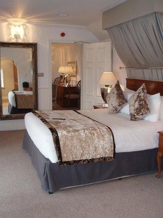 Alderley Edge Hotel: Bedroom, Arley Suite