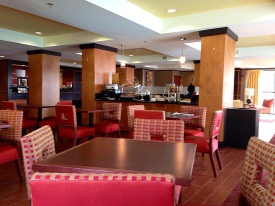 Hampton Inn Biloxi: Lobby