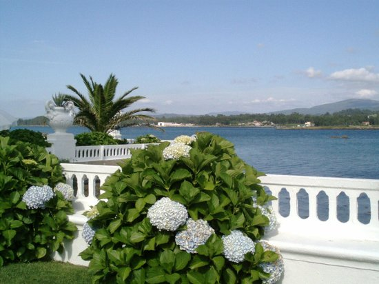 Talaso Hotel Louxo la Toja: Otra vista de la ría