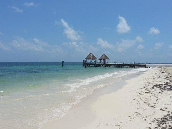 Now Sapphire Riviera Cancun: Beautiful Beach