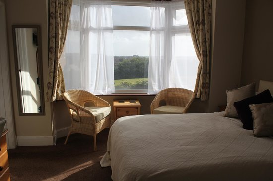 Fleetwater Guest House: Family Room - king sized bed and 1 single bed with ensuite