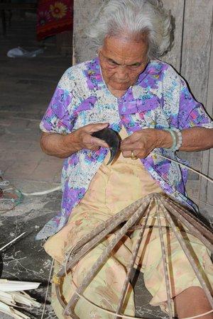 Nha Trang River Tour : Conical hat making