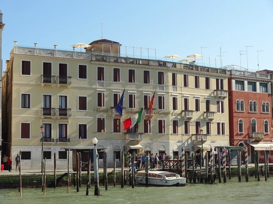 Hotel Carlton on the Grand Canal : View of Hotel