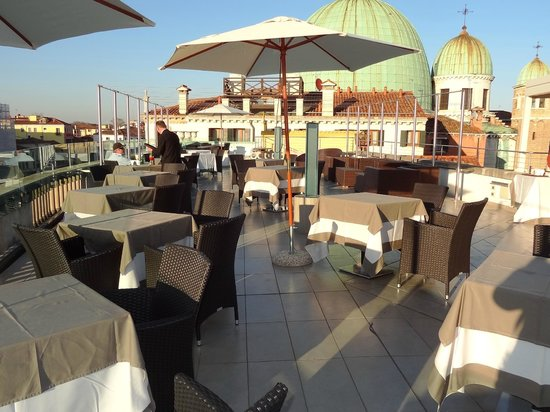Hotel Carlton on the Grand Canal : Rooftop restaurant!