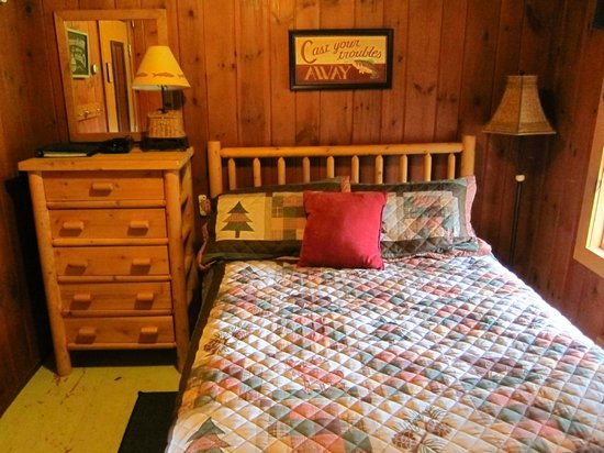 Timberholm Inn : Our Room (Spruce #6)