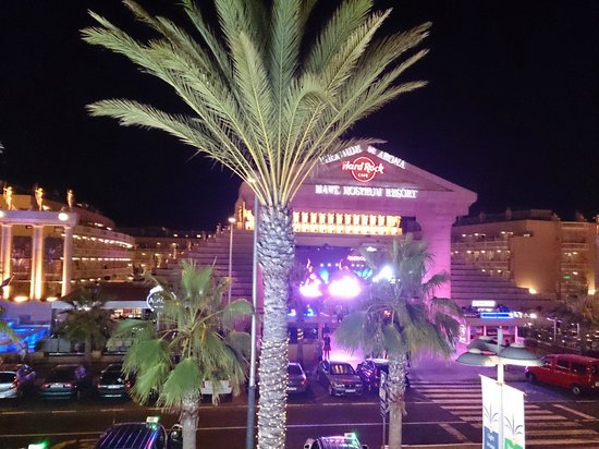 "Cleopatra Palace Hotel : Ambiente Notturno "" Super """