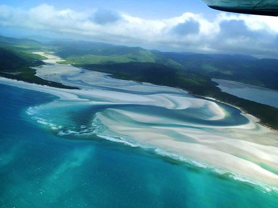 swirling sands of whitehaven beach <3