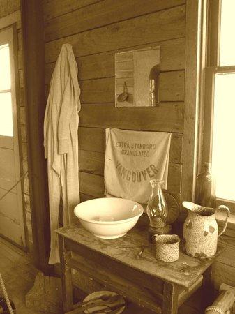 Historic O'Keefe Ranch: cowboy room