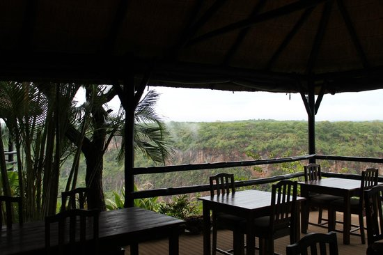 Gorges and Little Gorges Lodge: bar view