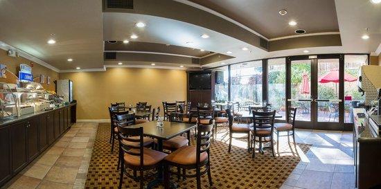 Holiday Inn Express Castro Valley - East Bay: Breakfast Room