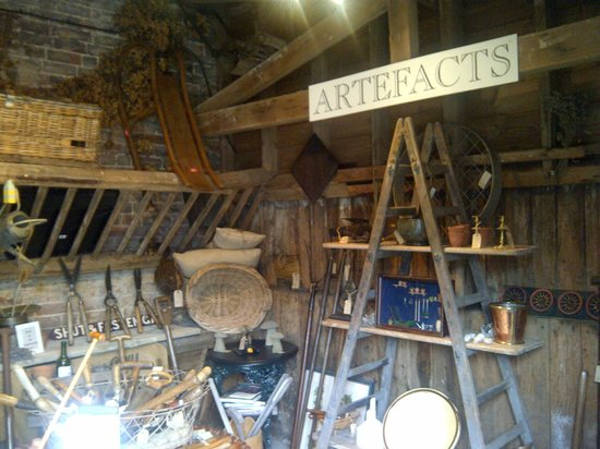 Cobham, UK: Artefacts the antiques shop