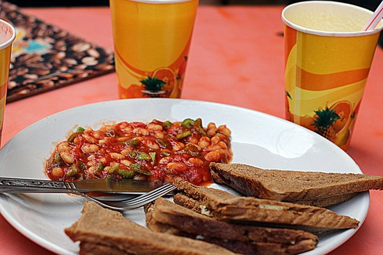 Funky Monkey Cafe : Cheese toast with baked beans