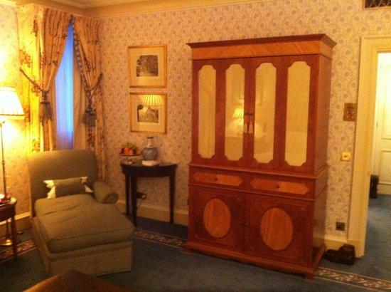 Compare Hotel Rooms Dorchester London