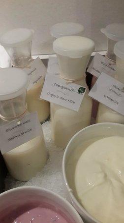 Thon Hotel Tromso : Many options for milk
