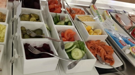 Thon Hotel Tromso: breakfast