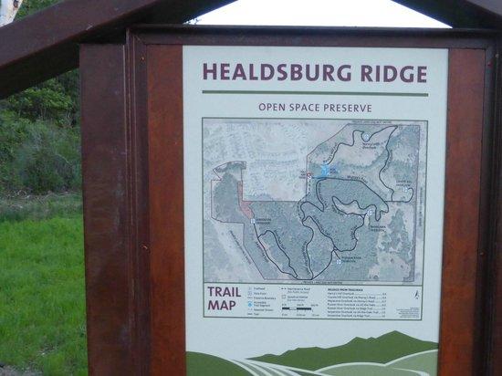 Healdsburg Ridge Open Space Preserve: The trailhead