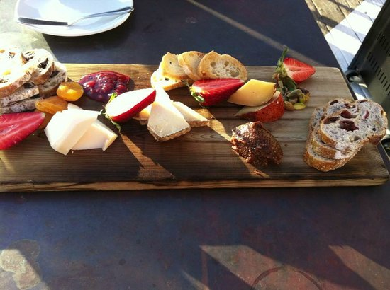 Paradise Point Resort & Spa: Cheeseboard from new Tidal restaurant