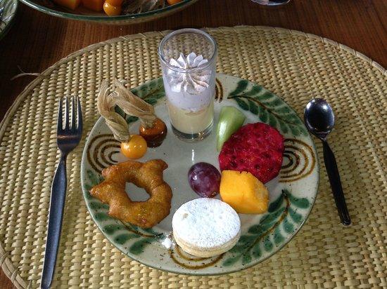 Wayra : The dessert samples.