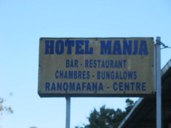 Manja Hotel : Вывеска на входе