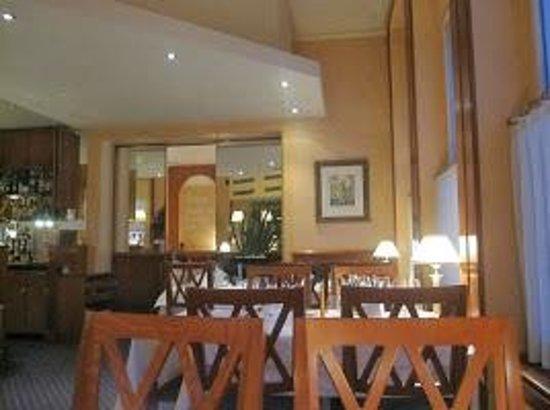 Le Mirabeau : Mirabeau - Restaurant Interior
