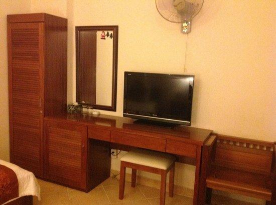 Bich Duyen Hotel: my room